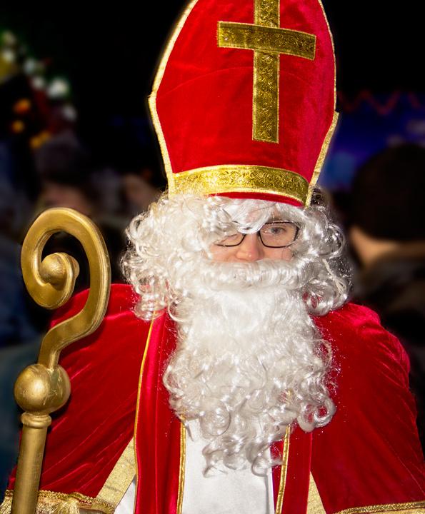 Святой Николаус на Европейской рождественской ярмарке 2016