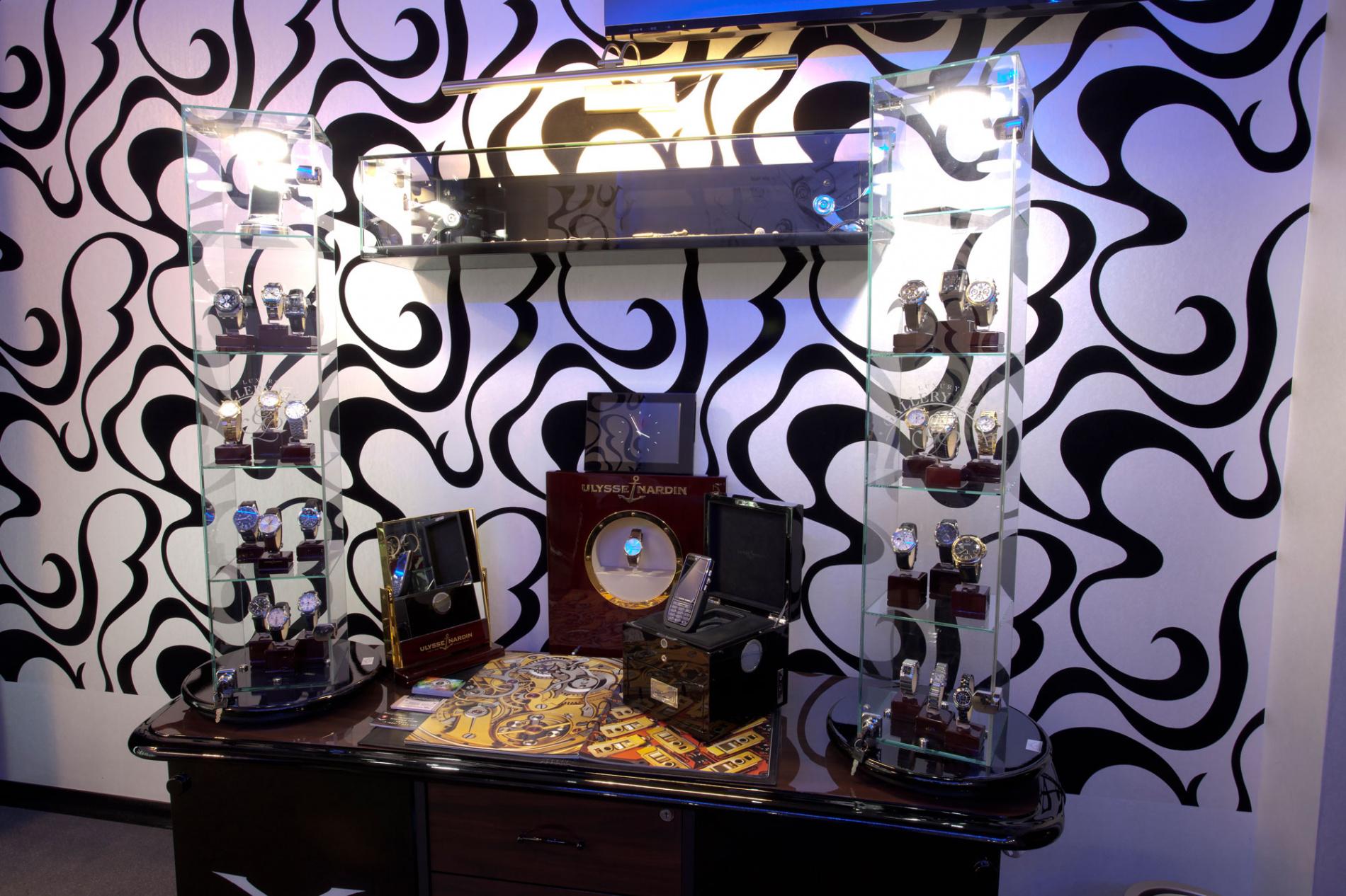 В «Галерее Люкс» вы можете купить или заказать элитные наручные часы.