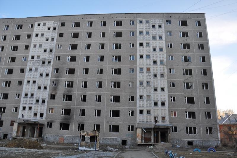 Заброшенная девятиэтажка на Мусоргского