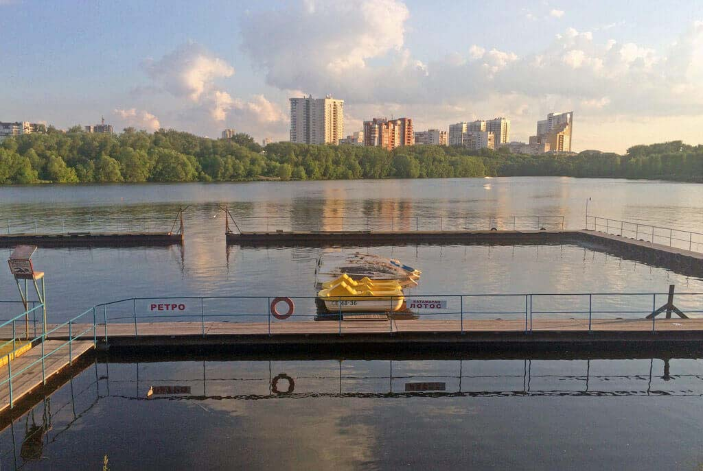 Лодочная станция «Локомотив» на городском пруду