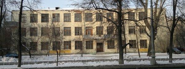 Заброшенный корпус Уральского лесотехнического университета