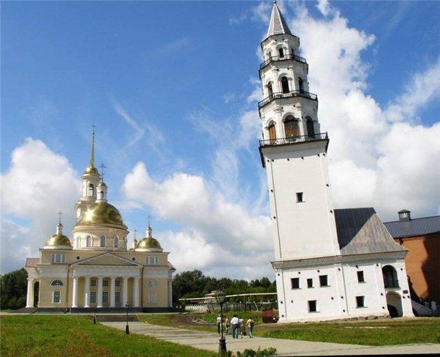 Наклонная башня в Невьянске. Наша башня лучше, чем Пизанская!