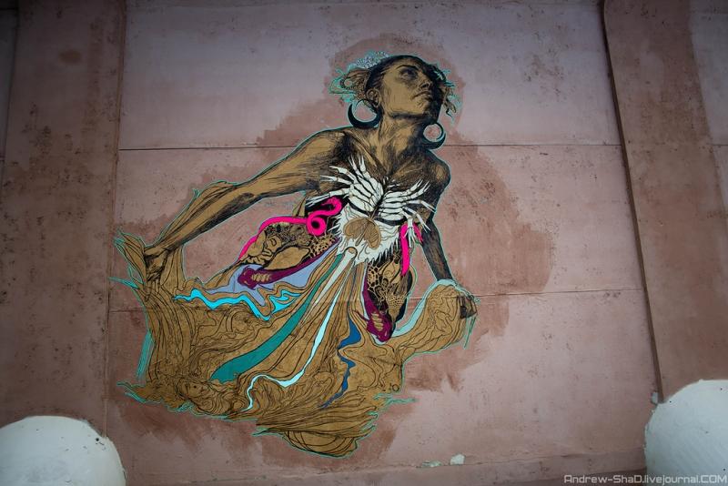 Работы Swoon на здании Екатеринбургского завода по обработке цветных металлов