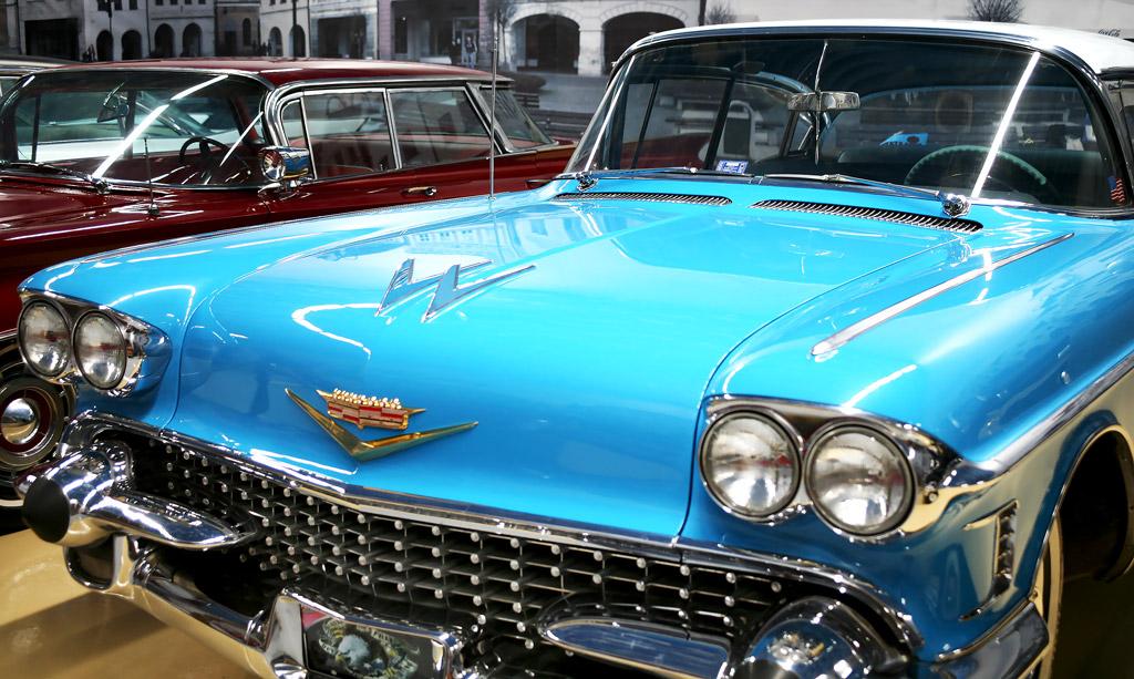 Музей ретроавтомобилей возле Кольцово