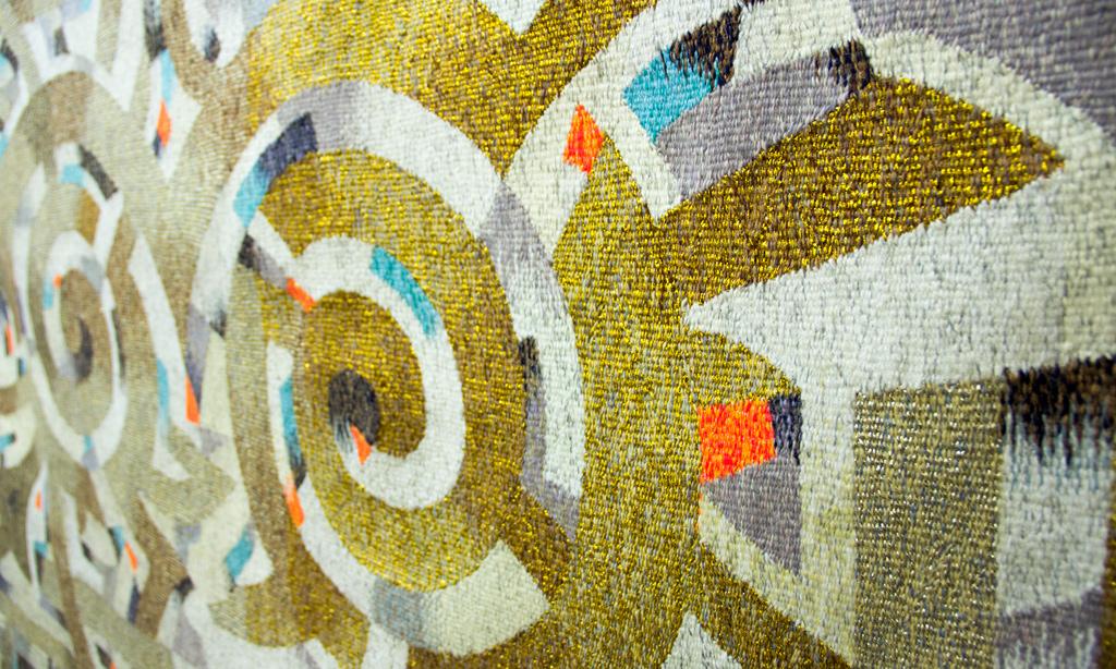 Казахские гобелены, керамика и батик в Доме художника