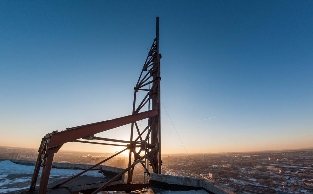 Заброшенный небоскрёб Призма