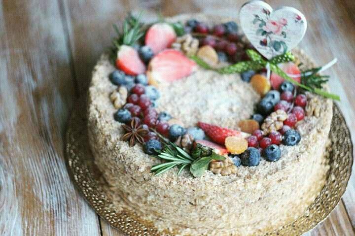 Где купить вкусный торт к празднику