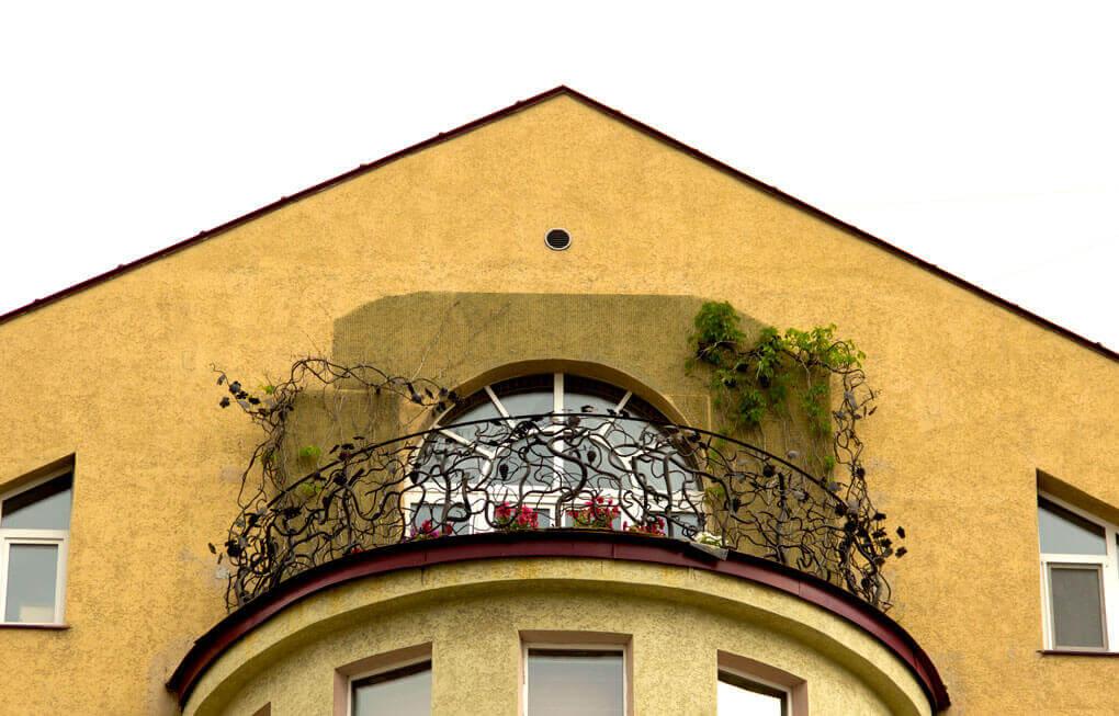 Необычные балконы Екатеринбурга
