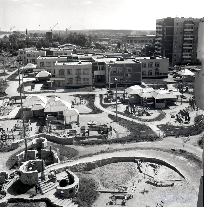 Строительство детского городка комбинированного типа в МЖК, 1984 г.