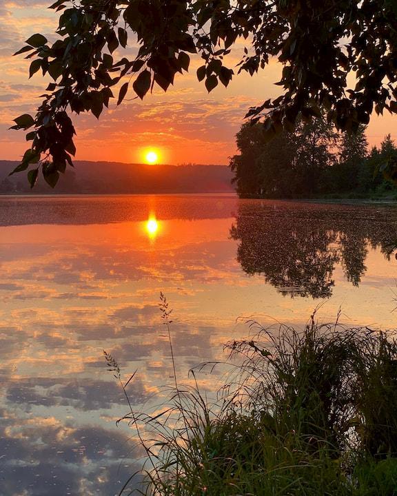 Закат на Нижнеисетском пруду. Фото: Антон Юрков