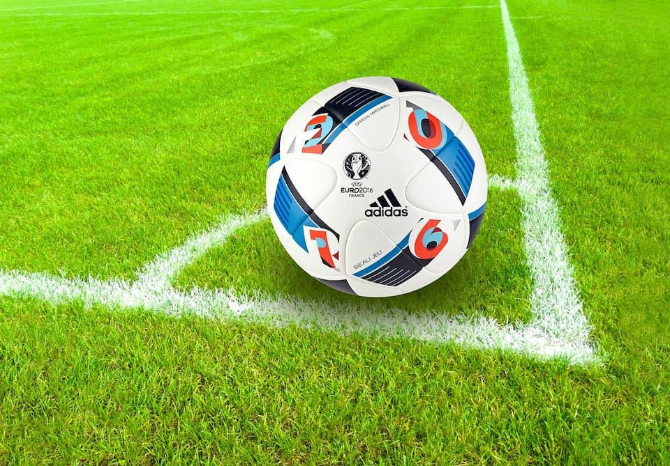 Топ-5 футбольных лиг: где смотреть и делать ставки